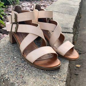 Straps sassy Sandals
